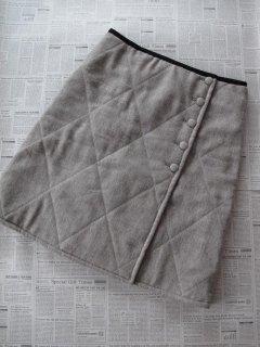キルトのリバーシブルラップスカート型紙