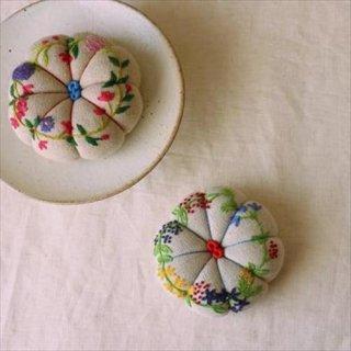 モシの刺繍針山