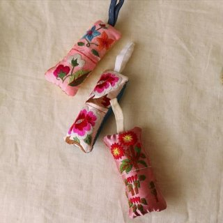 刺繍針山 / ピンク