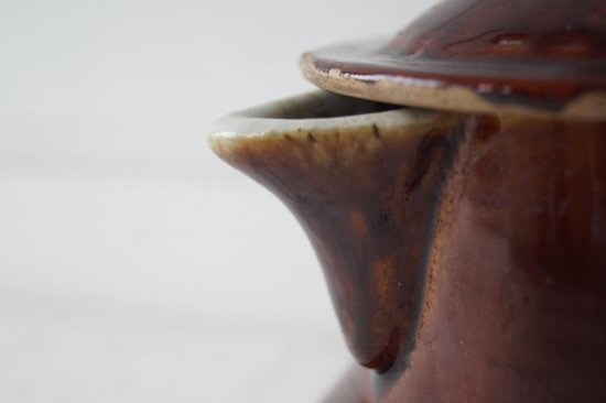陶器の片手ポット