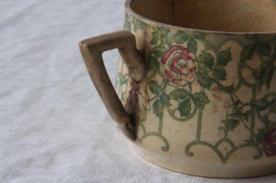 花柄のティーカップ
