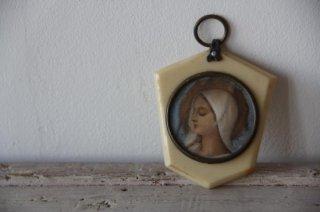 聖母モチーフのプレートオブジェ