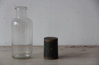 古い薬瓶AD
