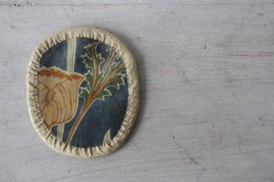 ビロード地の花柄ミニマット