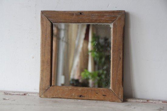 古い木枠のミラー/壁掛け鏡