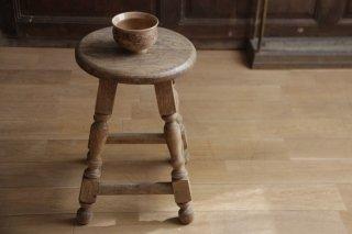 オーク材の装飾足丸スツール