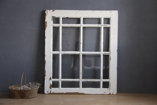 フランスアンティーク  白ペイントの窓/裏面木目