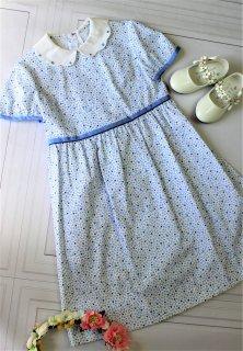 (DR095) スカイブルー 白襟 小花柄 半袖ワンピース