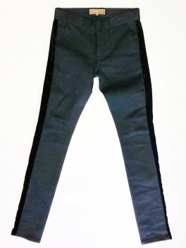 <img class='new_mark_img1' src='https://img.shop-pro.jp/img/new/icons1.gif' style='border:none;display:inline;margin:0px;padding:0px;width:auto;' />Velvet line Stretch Denim Pants