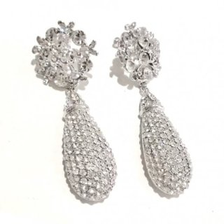 White Clover Tier Drop Crystal Earrings | シロツメクサ ティアドロップイヤリングorピアス