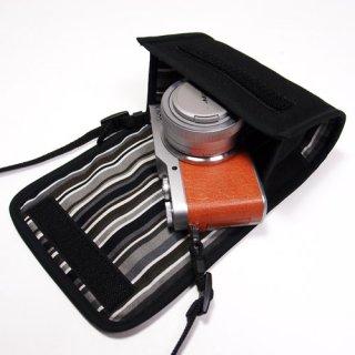 カメラケース ミラーレス LUMIX GF10ケース/GF9ケース(ブラック・アルバグレイ)-- 標準ズームレンズ用 --カラビナ付