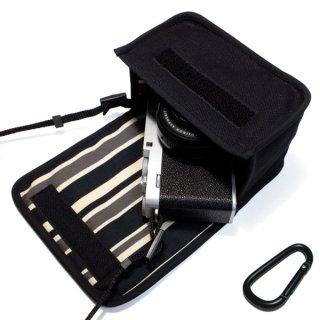 FUJIFILM X-E4ケース(ブラック・カーボンストライプ)単焦点レンズ XF27mm用 カラビナ付