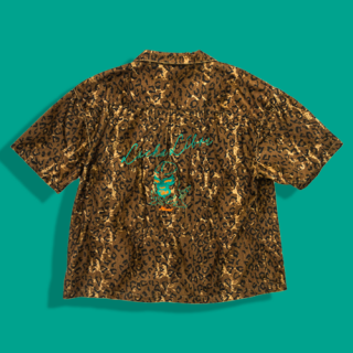 <img class='new_mark_img1' src='https://img.shop-pro.jp/img/new/icons15.gif' style='border:none;display:inline;margin:0px;padding:0px;width:auto;' />LUCHA LEOPARD Shirt