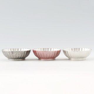錫 小鉢菊3枚セット 漆黒漆赤白仕上げ 商品番号:1300-1-2-3/名入れ・マーク入れ 不可