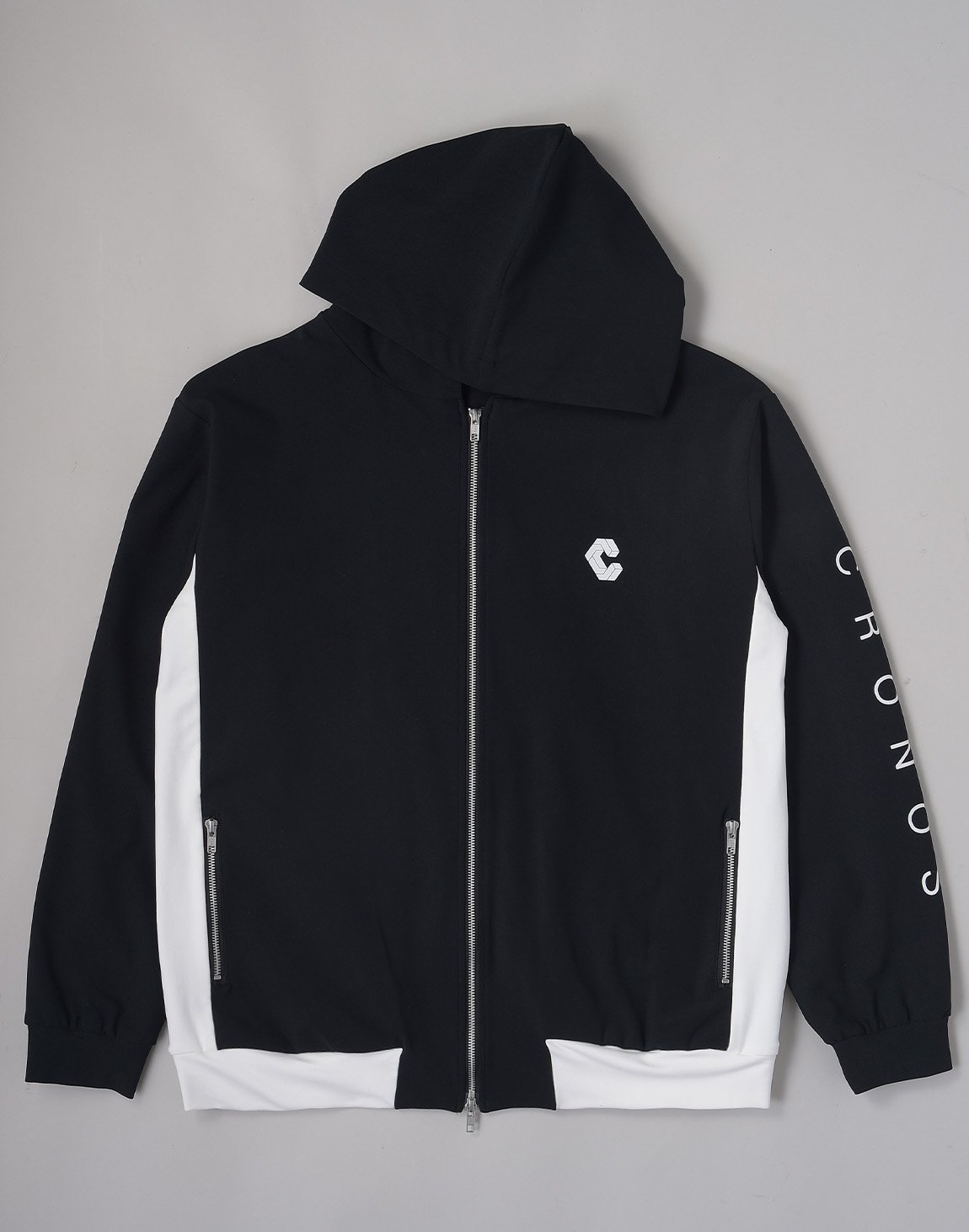 <img class='new_mark_img1' src='https://img.shop-pro.jp/img/new/icons1.gif' style='border:none;display:inline;margin:0px;padding:0px;width:auto;' />CRONOS ARM LOGO HOODED BLOUSON【BLACK】