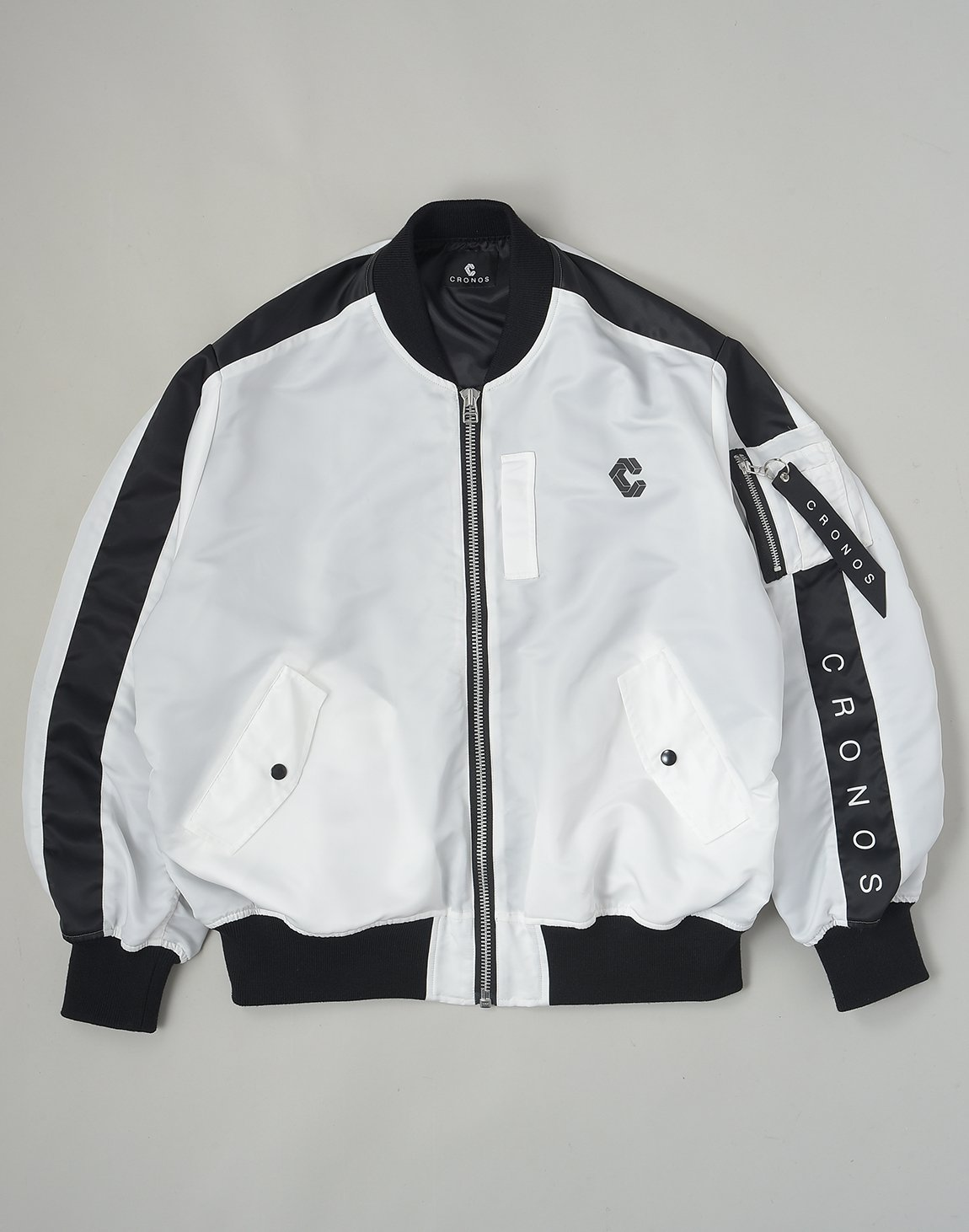 <img class='new_mark_img1' src='https://img.shop-pro.jp/img/new/icons1.gif' style='border:none;display:inline;margin:0px;padding:0px;width:auto;' />CRONOS NEW BOMBER JACKET【WHITE】