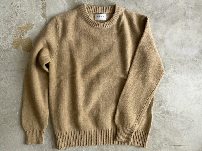 wool crew neck sweater / CAMEL