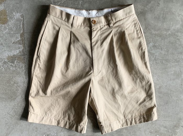<img class='new_mark_img1' src='https://img.shop-pro.jp/img/new/icons8.gif' style='border:none;display:inline;margin:0px;padding:0px;width:auto;' />cotton two tuck shorts / BEIGE