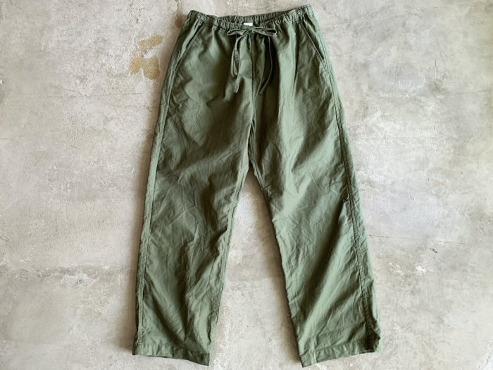 <img class='new_mark_img1' src='https://img.shop-pro.jp/img/new/icons56.gif' style='border:none;display:inline;margin:0px;padding:0px;width:auto;' />military moleskin easy pants / OLIVE