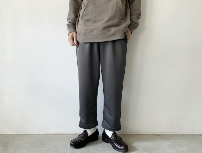 <img class='new_mark_img1' src='https://img.shop-pro.jp/img/new/icons8.gif' style='border:none;display:inline;margin:0px;padding:0px;width:auto;' />track pants / GREY