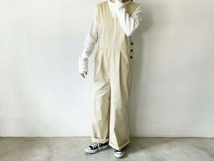 <img class='new_mark_img1' src='https://img.shop-pro.jp/img/new/icons8.gif' style='border:none;display:inline;margin:0px;padding:0px;width:auto;' />cotton twill overalls  / BEIGE