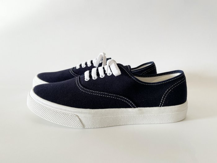 <img class='new_mark_img1' src='https://img.shop-pro.jp/img/new/icons8.gif' style='border:none;display:inline;margin:0px;padding:0px;width:auto;' />ASAHI 503 DECK SHOES / NAVY