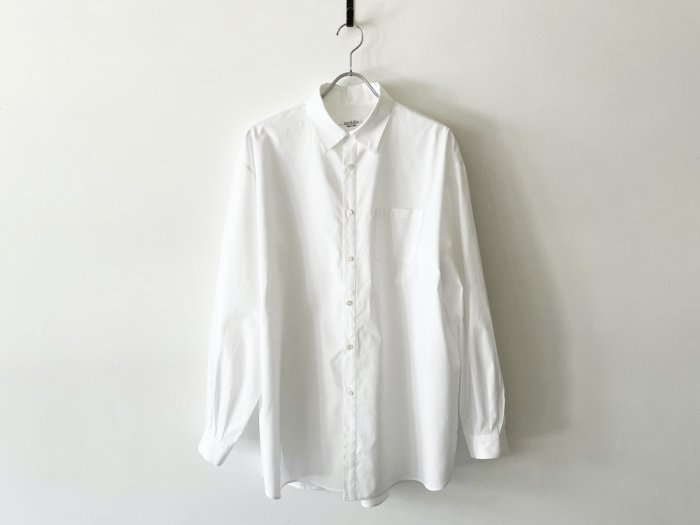 <img class='new_mark_img1' src='https://img.shop-pro.jp/img/new/icons8.gif' style='border:none;display:inline;margin:0px;padding:0px;width:auto;' />cotton atelier shirt /  WHITE