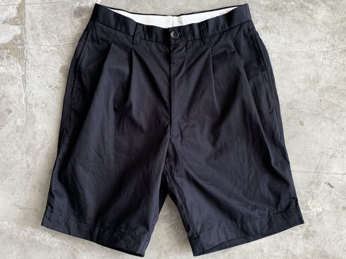 <img class='new_mark_img1' src='https://img.shop-pro.jp/img/new/icons8.gif' style='border:none;display:inline;margin:0px;padding:0px;width:auto;' />cotton two tuck shorts / NAVY