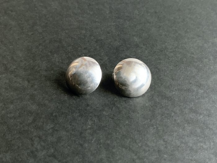 Navajo round Silver pierce