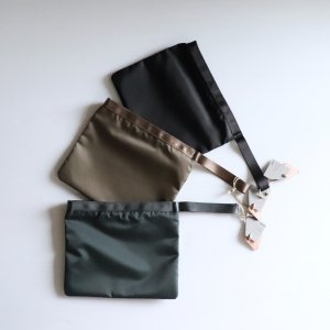 <img class='new_mark_img1' src='https://img.shop-pro.jp/img/new/icons13.gif' style='border:none;display:inline;margin:0px;padding:0px;width:auto;' />STUFF / handle pouch No.1 NYLON TWILL (3color)