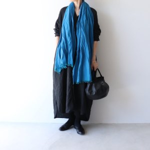 <img class='new_mark_img1' src='https://img.shop-pro.jp/img/new/icons13.gif' style='border:none;display:inline;margin:0px;padding:0px;width:auto;' />LOCALLY / chambray muffler turquoise