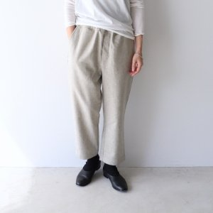 <img class='new_mark_img1' src='https://img.shop-pro.jp/img/new/icons13.gif' style='border:none;display:inline;margin:0px;padding:0px;width:auto;' />maison de soil / WOOL FLANNEL EASY TAPERED PANTS(2color)