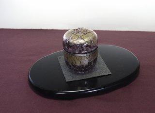 茶道具 <span>( 硬質硝子 )</span> 斑紋切子棗(葡萄色)