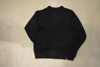 MAGIC NUMBER /SHAGGY YARN CABLE CREW KNIT (BLACK)
