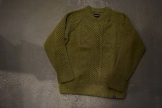 MAGIC NUMBER /SHAGGY YARN CABLE CREW KNIT (OLIVE)