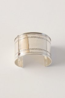 <img class='new_mark_img1' src='https://img.shop-pro.jp/img/new/icons56.gif' style='border:none;display:inline;margin:0px;padding:0px;width:auto;' />Touareg Silver  bangle 22