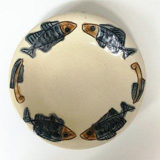 やちむん ノモ陶器製作所 7寸皿(魚紋ゴス)