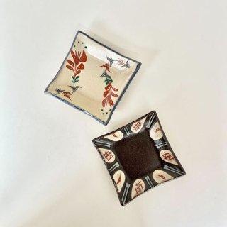 やちむん 陶眞窯 四角皿赤絵(2種)