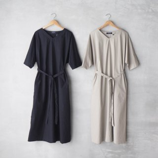 <img class='new_mark_img1' src='https://img.shop-pro.jp/img/new/icons27.gif' style='border:none;display:inline;margin:0px;padding:0px;width:auto;' />HAND ROOM WOMEN'S<br>Vネック ドルマンスリーブワンピース