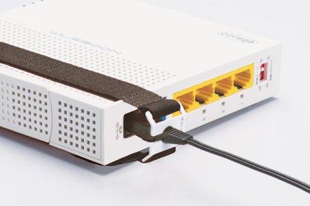 I/Oロック ループ(USBプラグ用)