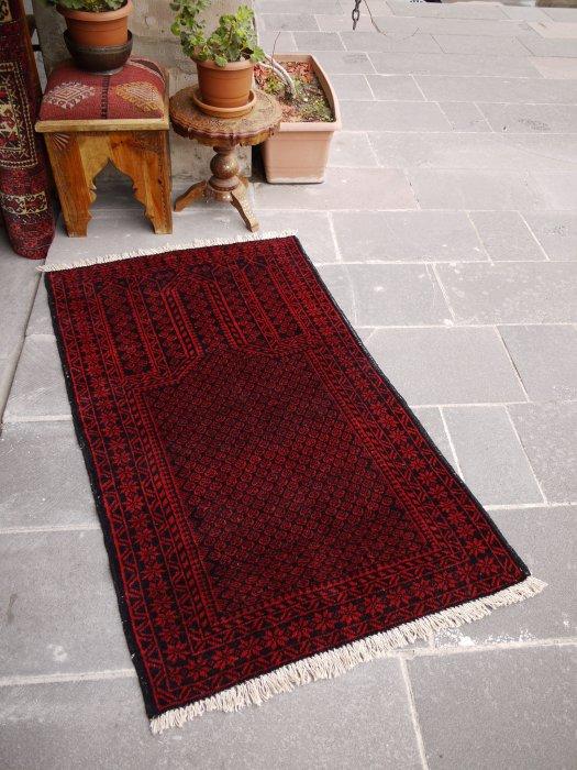 ヴィンテージラグ 赤とネイビーのバルーチ  約134×82