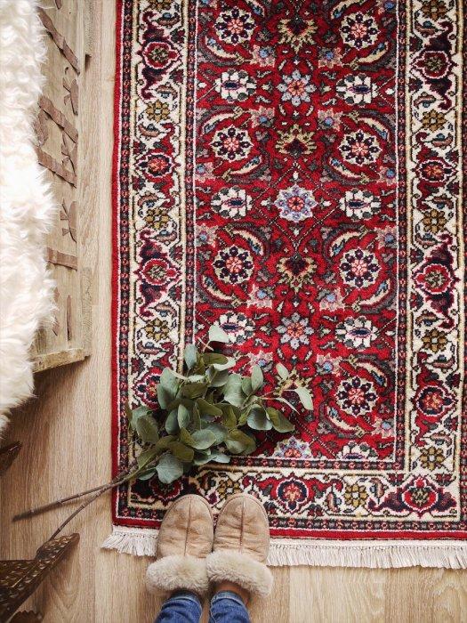 ペルシャ産オールド絨毯 約147×74