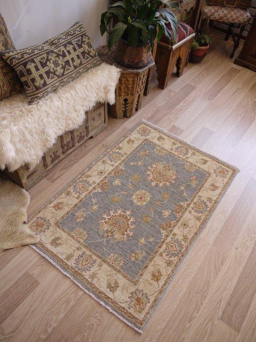 新しい絨毯 ウシャク ブルーグレー 約121×84