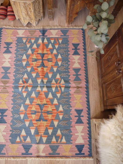 初めての手織りキリムに♪パステルニューキリム Bugdayli 約128×92