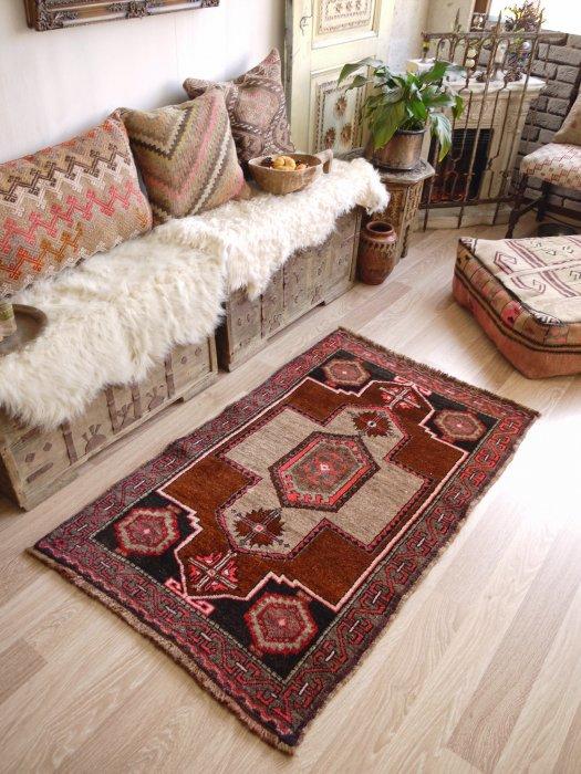 オールド絨毯 カルス  約133×83
