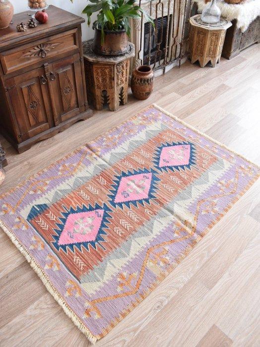 初めての手織りキリムに♪パステルニューキリム Bugdayli 約134×94