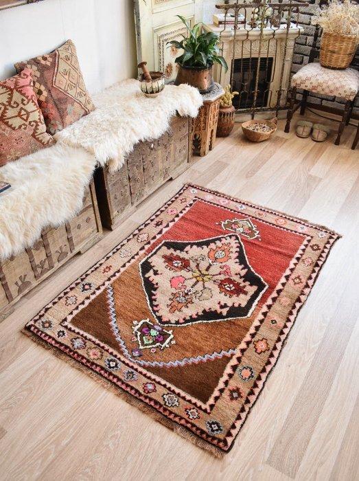 オールド絨毯 ふわふわカルス  約134×97