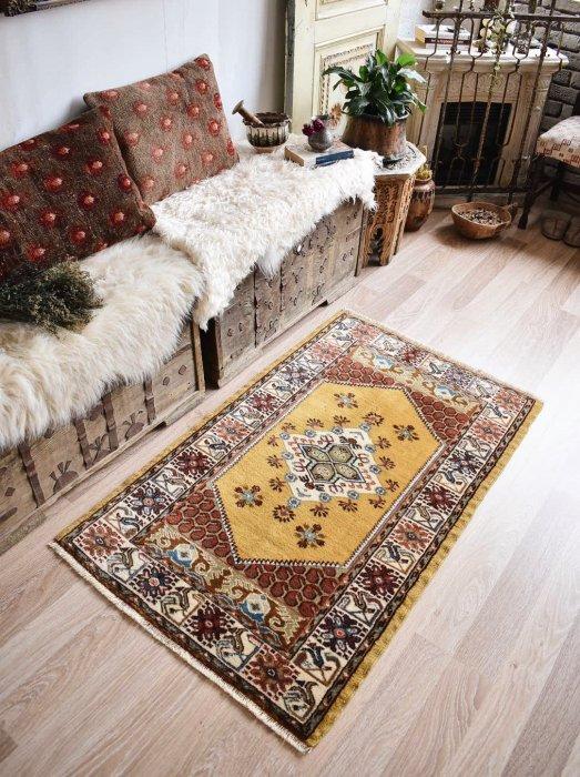 オールド絨毯 美しく可愛らしいクラ  約130×80