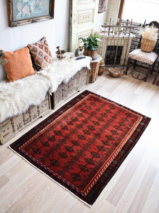 オールド絨毯 赤いトライバルラグ  約151×111
