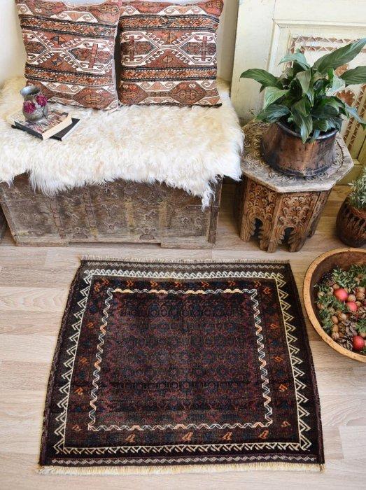 オールド絨毯 バルーチ  約90×75